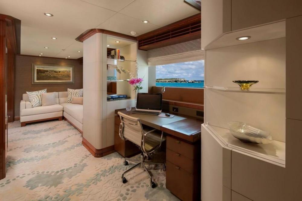 PISCES - Luxury Motor Yacht For Charter - Full Beam Master Cabin - Img 2 | C&N