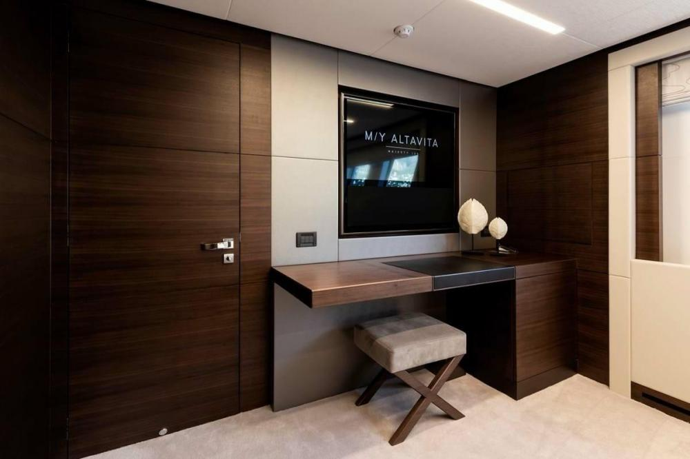 ALTAVITA - Luxury Motor Yacht For Charter - Two Double Cabins - Img 3 | C&N