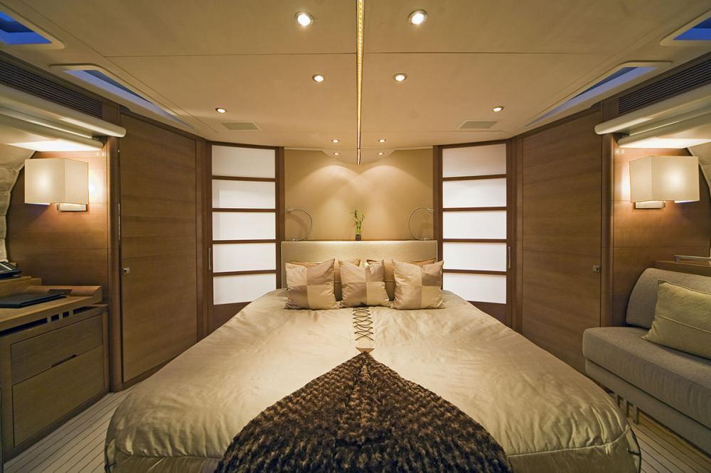 PANTALA - Luxury Motor Yacht For Sale - Twin Cabin - Img 3 | C&N
