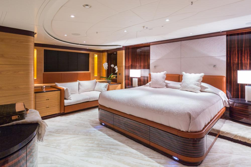 Q - Luxury Sailing Yacht For Charter - 1 MASTER CABIN - Img 3 | C&N