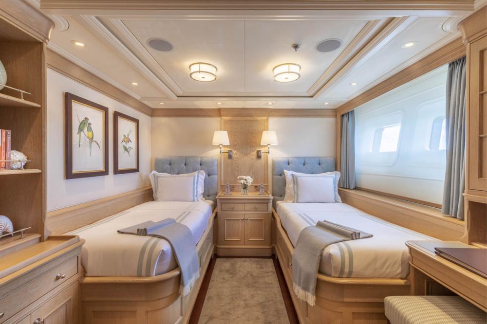 Fabulous Character - Luxury Motor Yacht For Charter - 2 TWIN CABINS - Img 2   C&N