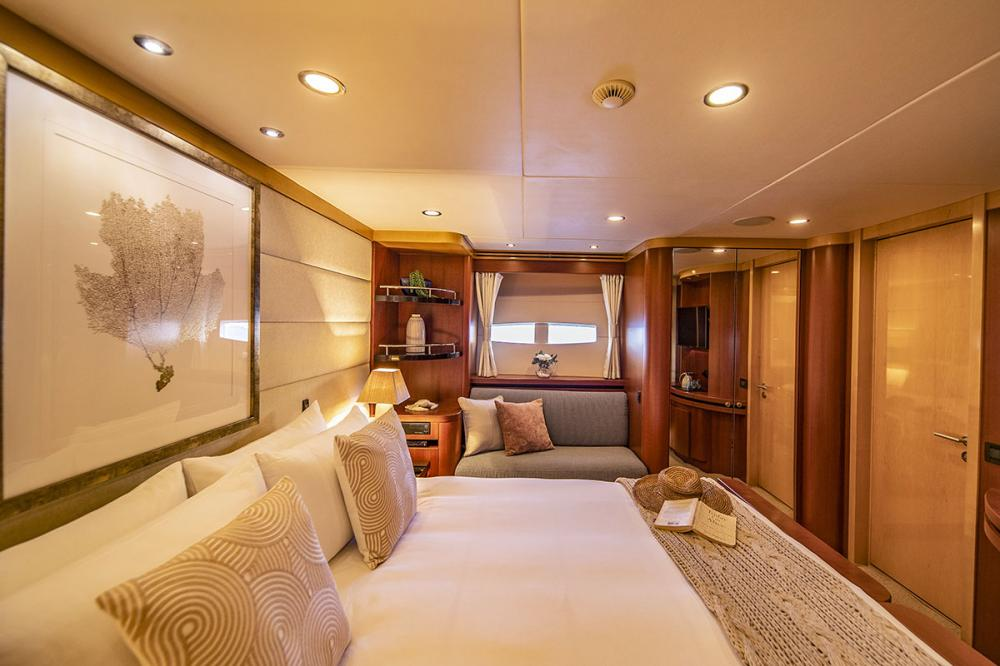 SPIRIT - Luxury Motor Yacht For Charter - 4 Double Cabins - two of which can be converted to twins - Img 1   C&N