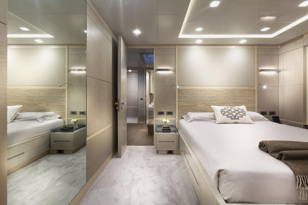 DELIBERATELY LUCKY - Luxury Motor Yacht For Sale - VIP Cabin - Img 1   C&N