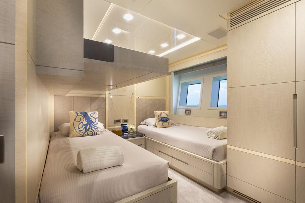 DELIBERATELY LUCKY - Luxury Motor Yacht For Sale - Two Double Cabins with Pullman Berths - Img 2   C&N