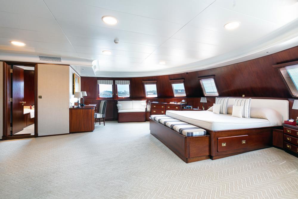 PALOMA - Luxury Motor Yacht For Sale - Master - Img 2 | C&N