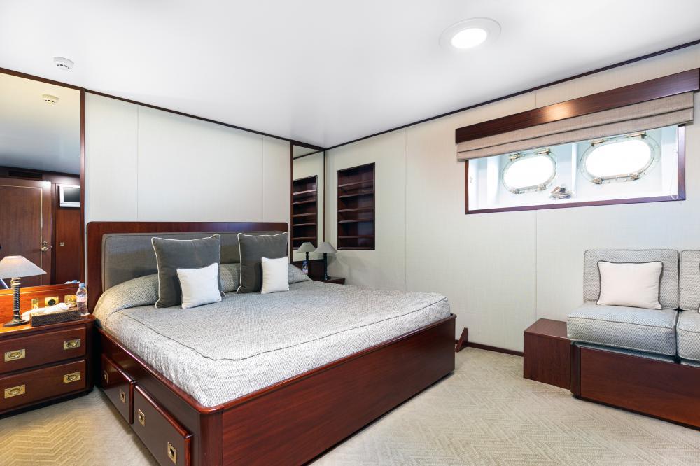 PALOMA - Luxury Motor Yacht For Sale - Double - Img 4 | C&N