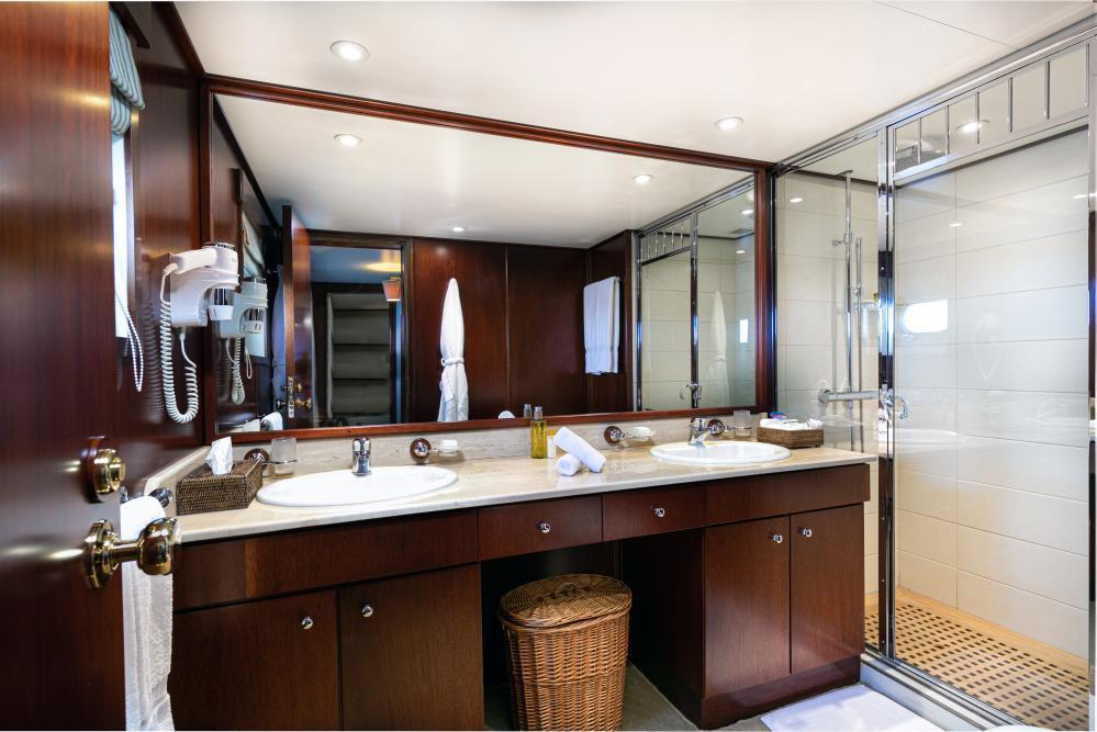 PALOMA - Luxury Motor Yacht For Sale - Double - Img 5 | C&N