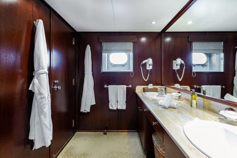 PALOMA - Luxury Motor Yacht For Sale - Double - Img 6 | C&N