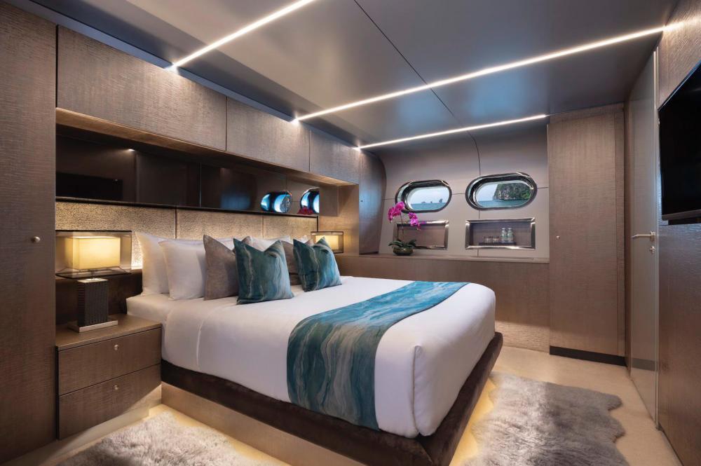 OCEAN EMERALD - Luxury Motor Yacht For Sale - 3 DOUBLE CABINS - Img 3 | C&N