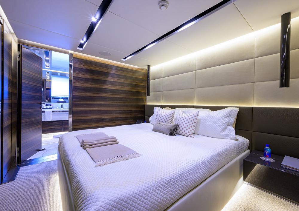 SAFE HAVEN - Luxury Motor Yacht For Charter - Three Double Cabins - Img 1 | C&N