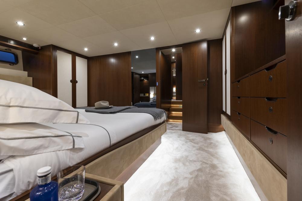 ATTITUDE - Luxury Motor Yacht For Sale - Master - Img 2 | C&N