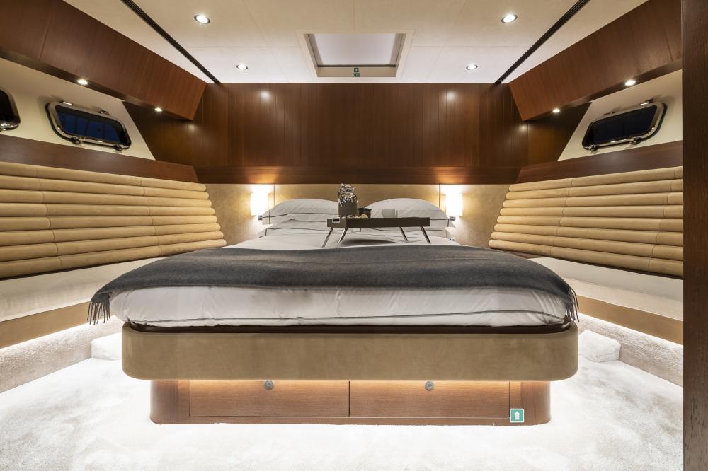 ATTITUDE - Luxury Motor Yacht For Sale - Double - Img 1 | C&N