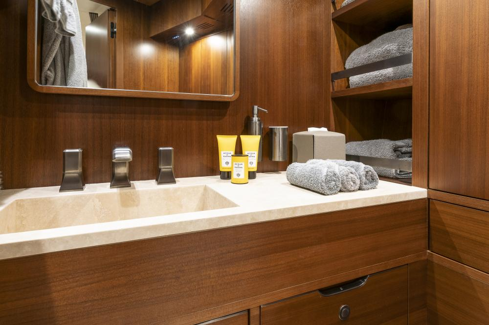 ATTITUDE - Luxury Motor Yacht For Sale - Double - Img 2 | C&N