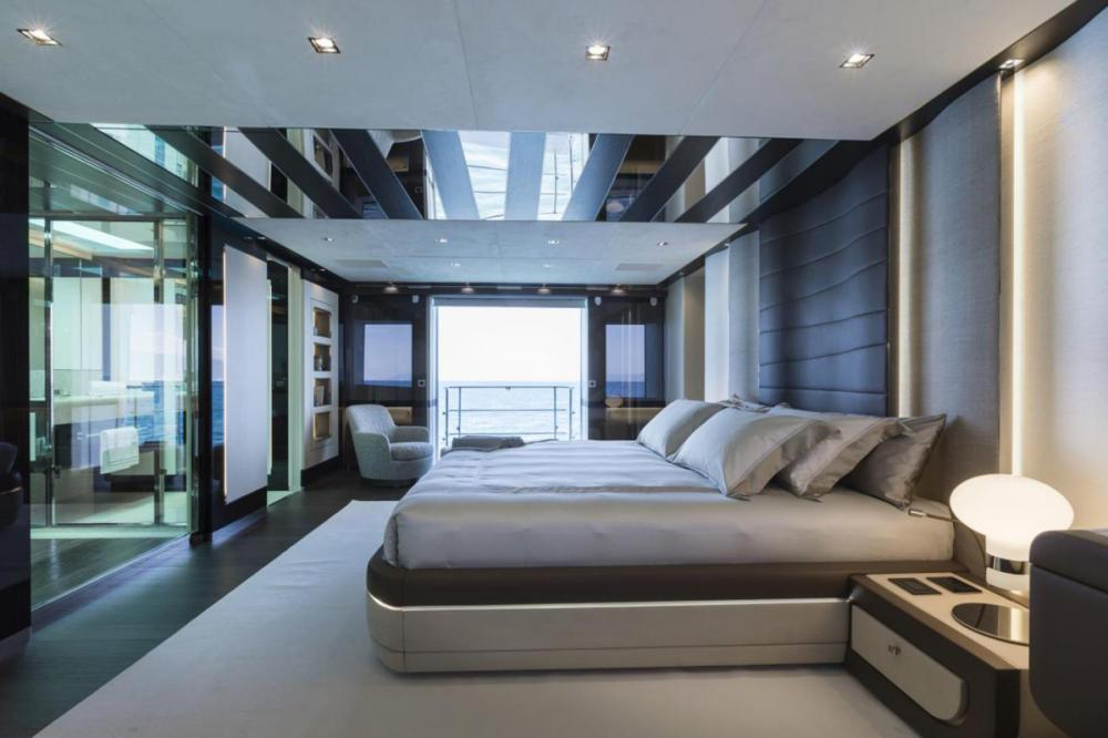 CECILE B - Luxury Motor Yacht For Sale - 5 cabins - Img 1   C&N