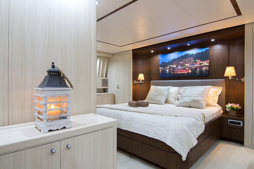 ACIONNA - Luxury Motor Yacht For Sale - Master Cabin - Img 1 | C&N