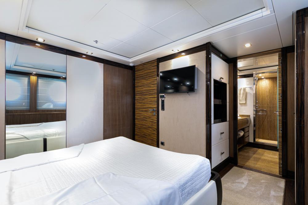PANAKEIA - Luxury Motor Yacht For Charter - 2 DOUBLE CABINS - Img 2   C&N