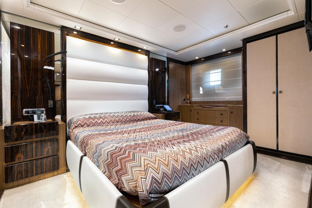 PANAKEIA - Luxury Motor Yacht For Charter - 2 DOUBLE CABINS - Img 3   C&N