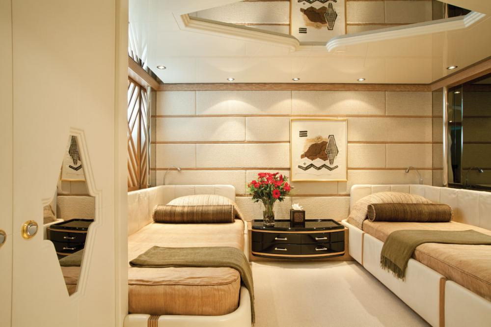 ECLIPSE - Luxury Motor Yacht For Charter - 2 TWIN CABINS - Img 1 | C&N