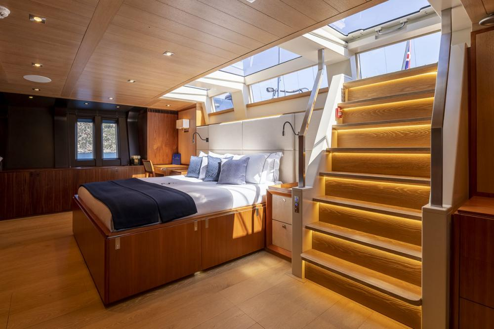 SHARLOU - Luxury Sailing Yacht For Charter - 1 MASTER CABIN - Img 1   C&N
