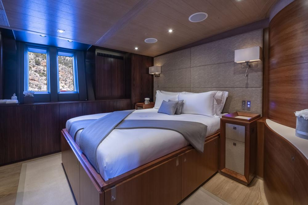 SHARLOU - Luxury Sailing Yacht For Charter - 1 VIP CABIN  - Img 1   C&N