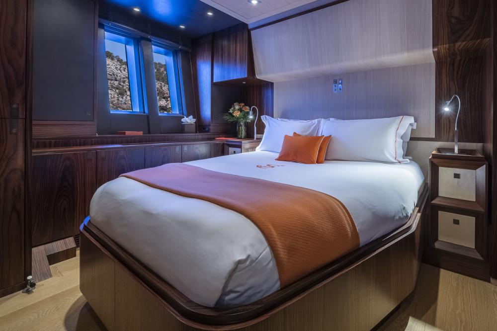 SHARLOU - Luxury Sailing Yacht For Charter -   1 DOUBLE CABIN   1 TRIPLE CABIN   1 SINGLE CABIN  - Img 1   C&N
