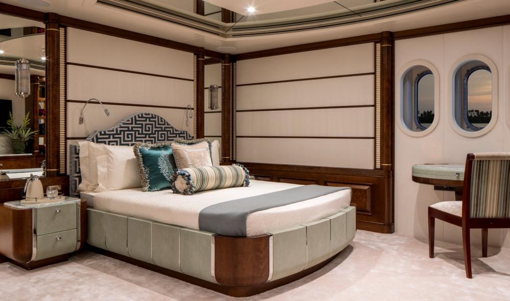 CALYPSO - Luxury Motor Yacht For Charter - 5 DOUBLE CABINS - Img 2 | C&N