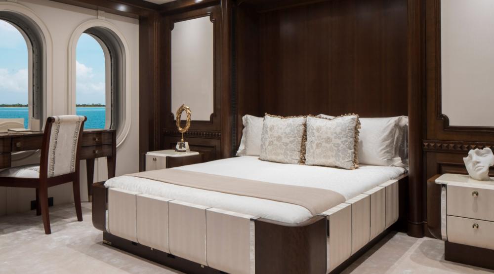 CALYPSO - Luxury Motor Yacht For Charter - 5 DOUBLE CABINS - Img 5 | C&N