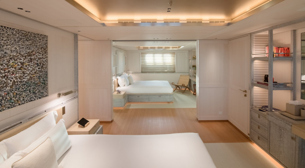 Driftwood - Luxury Motor Yacht For Charter - 3 DOUBLE CABINS - Img 2   C&N