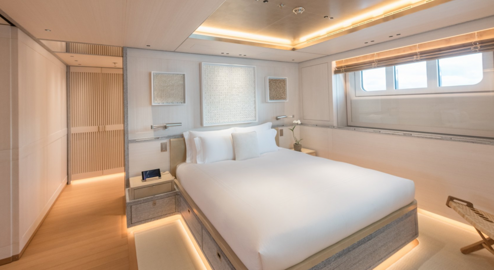 Driftwood - Luxury Motor Yacht For Charter - 3 DOUBLE CABINS - Img 1   C&N