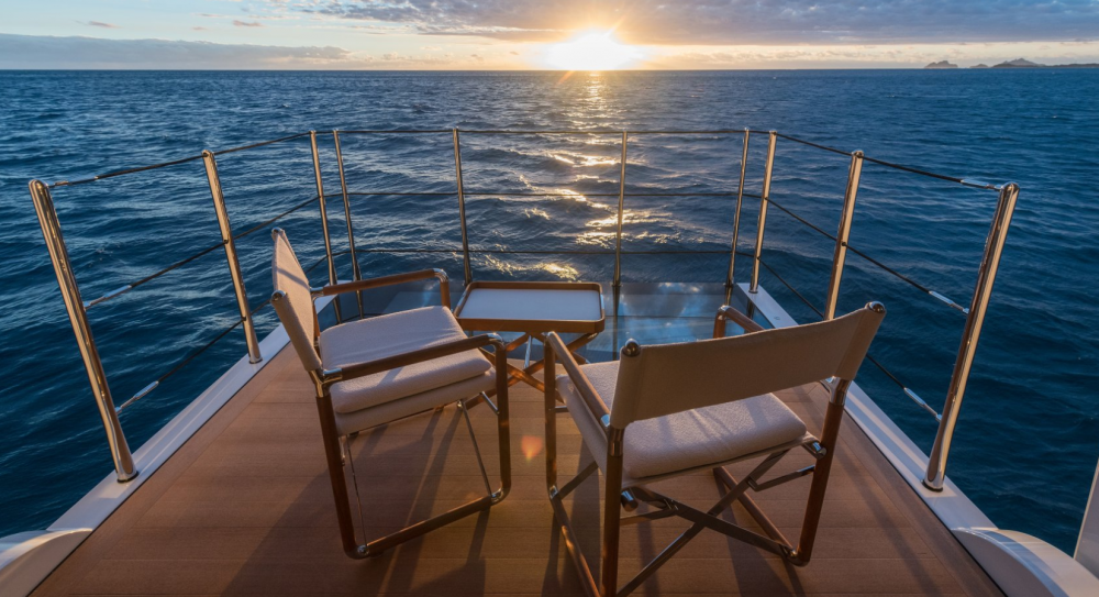 Driftwood - Luxury Motor Yacht For Charter - 1 MASTER CABIN - Img 5   C&N