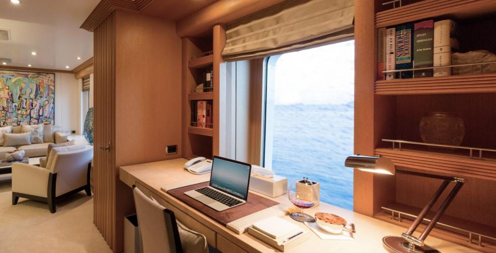 HANIKON - Luxury Motor Yacht For Charter - 1 MASTER CABIN - Img 5   C&N