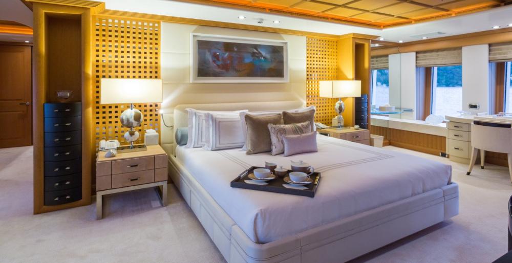 HANIKON - Luxury Motor Yacht For Charter - 1 MASTER CABIN - Img 1   C&N