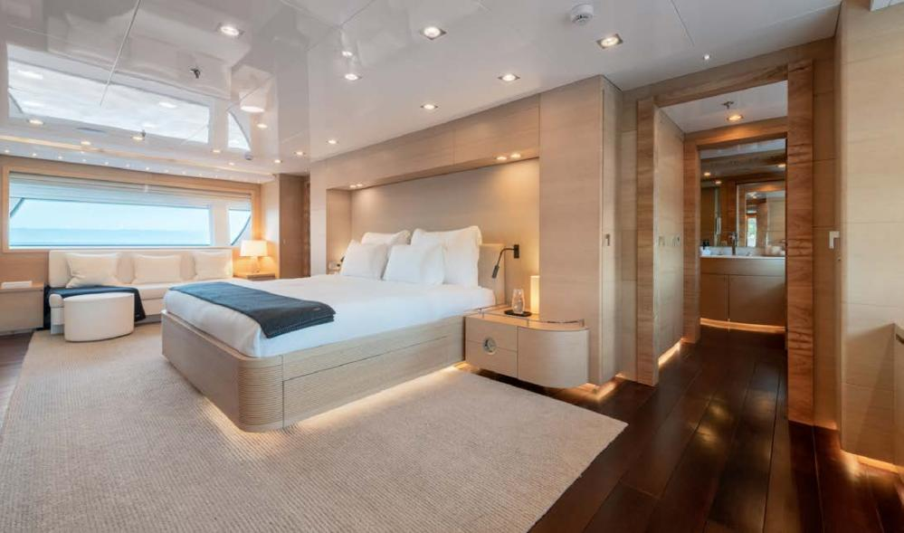 ARBEMA - Luxury Motor Yacht For Charter - 2 TWIN CABINS - Img 2   C&N