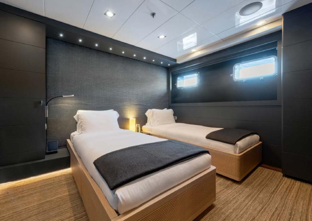 ARBEMA - Luxury Motor Yacht For Charter - 2 TWIN CABINS - Img 6   C&N