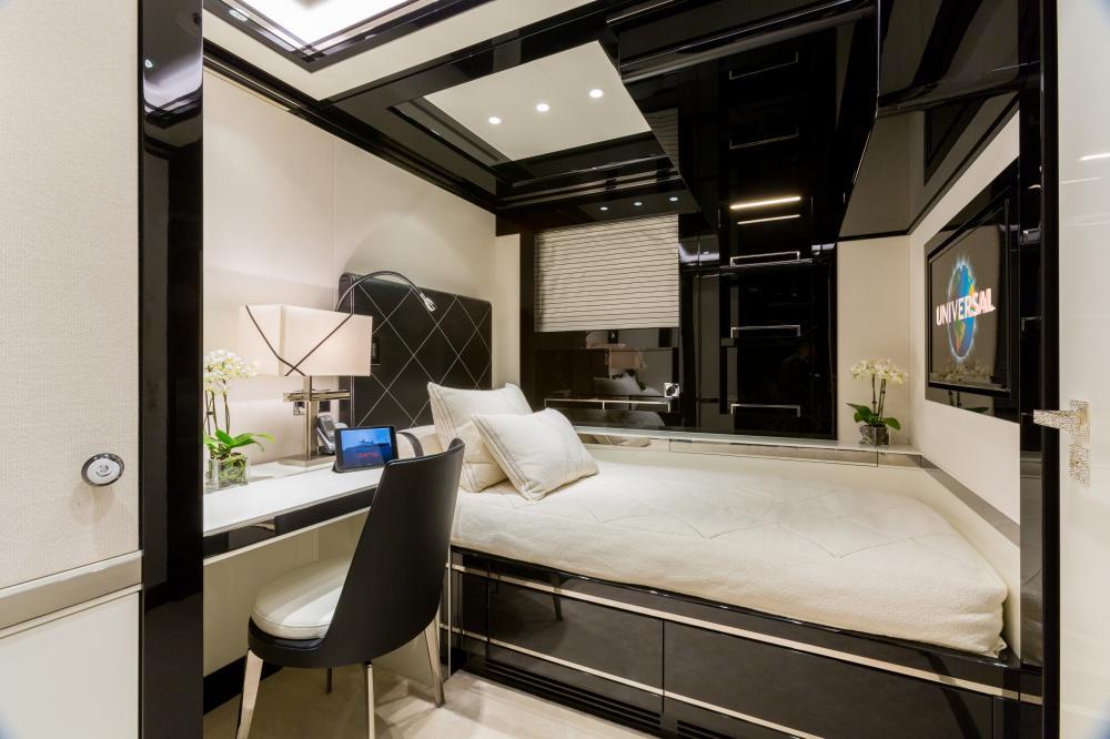 OKTO - Luxury Motor Yacht For Charter - 1 VIP CABIN - Img 2 | C&N
