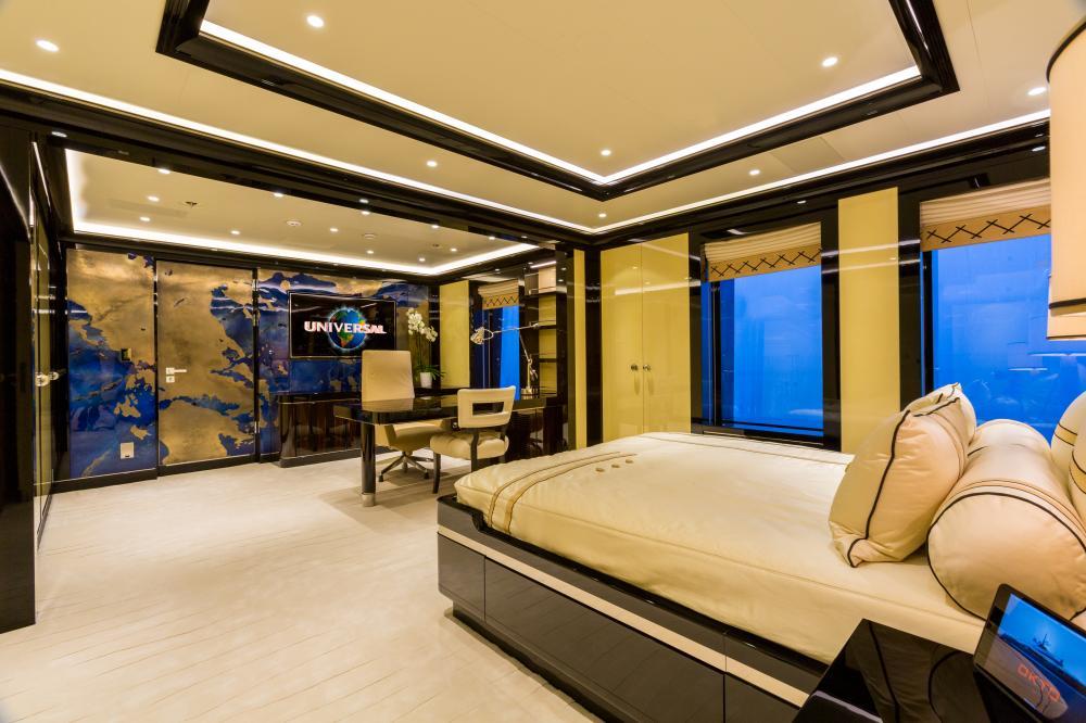 OKTO - Luxury Motor Yacht For Charter - 1 VIP CABIN - Img 1 | C&N