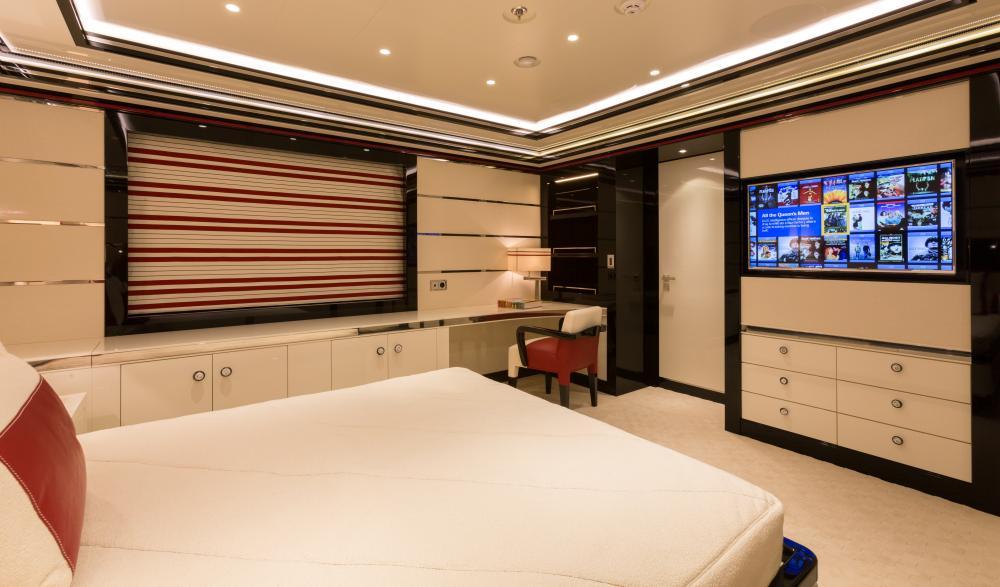 OKTO - Luxury Motor Yacht For Charter - 3 DOUBLE CABINS / 1 SINGLE - Img 2 | C&N