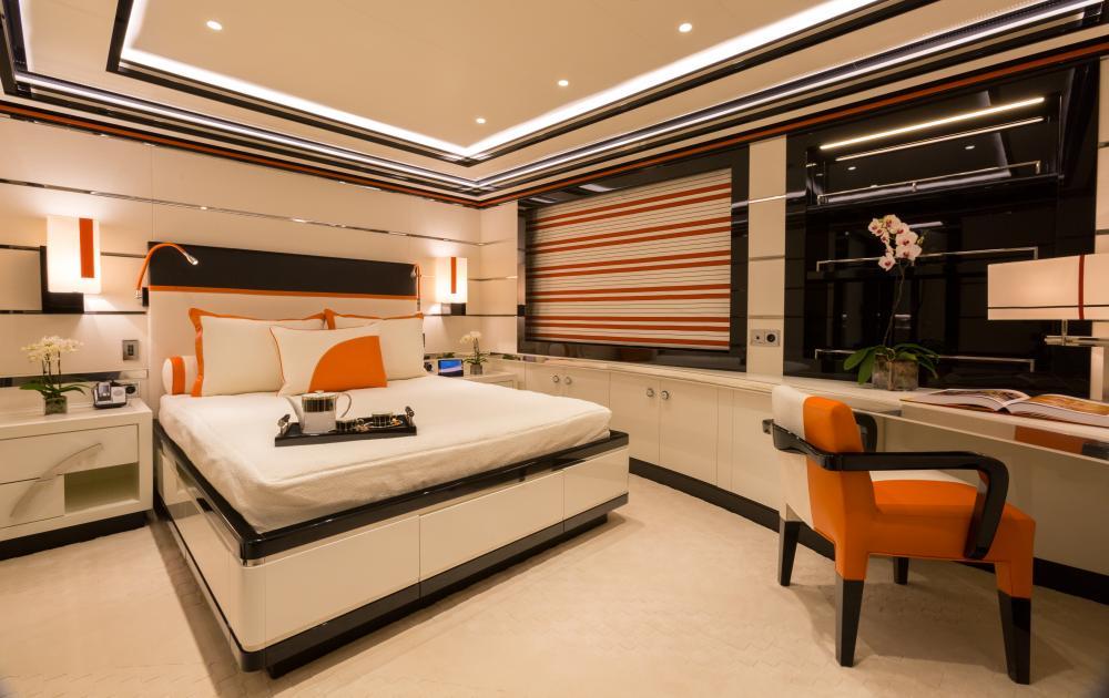 OKTO - Luxury Motor Yacht For Charter - 3 DOUBLE CABINS / 1 SINGLE - Img 4 | C&N