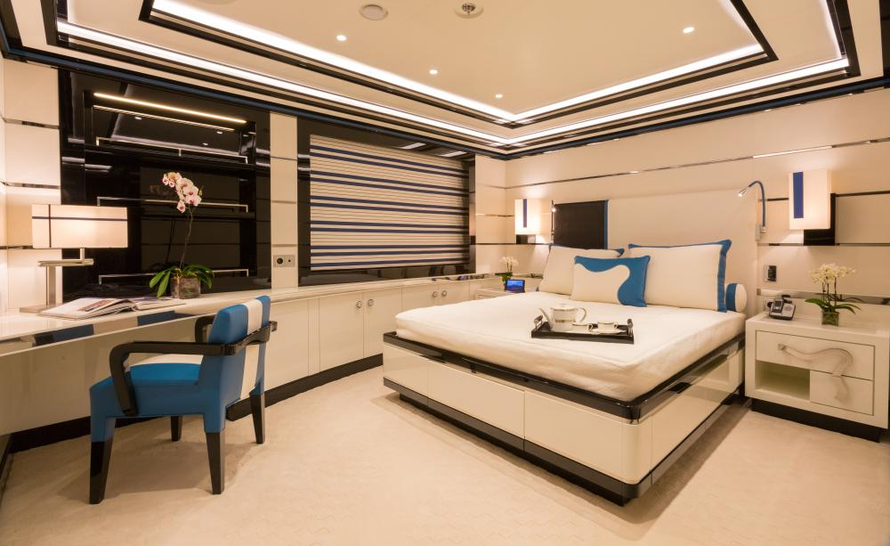 OKTO - Luxury Motor Yacht For Charter - 3 DOUBLE CABINS / 1 SINGLE - Img 5 | C&N