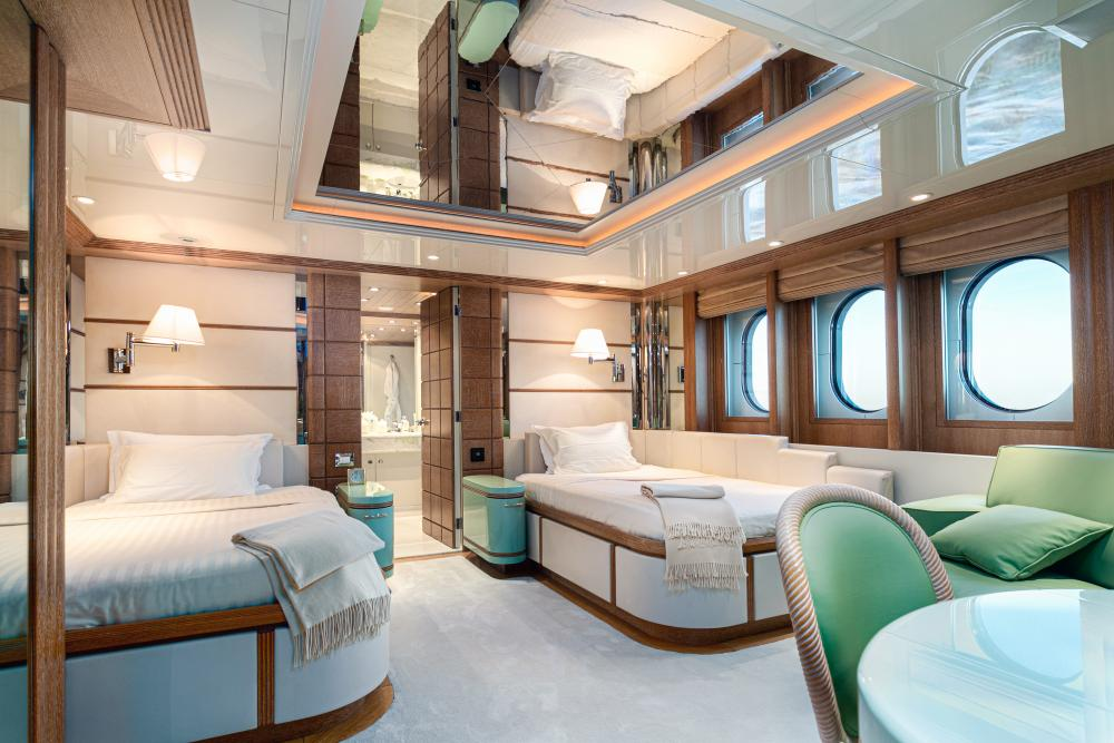SEA HUNTRESS - Luxury Motor Yacht For Sale - 4 Guest Cabins - Img 1 | C&N