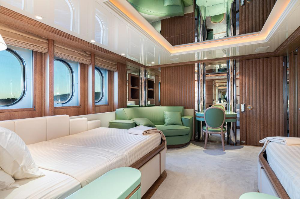 SEA HUNTRESS - Luxury Motor Yacht For Sale - 4 Guest Cabins - Img 2 | C&N