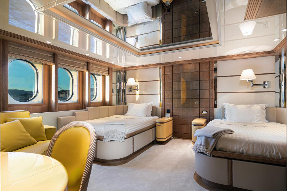 SEA HUNTRESS - Luxury Motor Yacht For Sale - 4 Guest Cabins - Img 3 | C&N