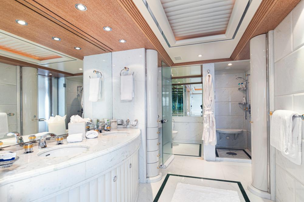 SEA HUNTRESS - Luxury Motor Yacht For Sale - On deck master stateroom - Img 4 | C&N