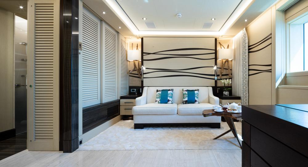 TRANQUILITY - Luxury Motor Yacht For Sale - 1 VVIP & 2 VIP CABINS - Img 4 | C&N