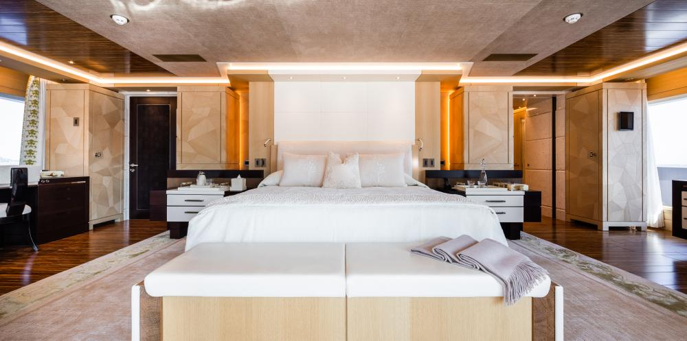 TRANQUILITY - Luxury Motor Yacht For Sale - 1 VVIP & 2 VIP CABINS - Img 2 | C&N