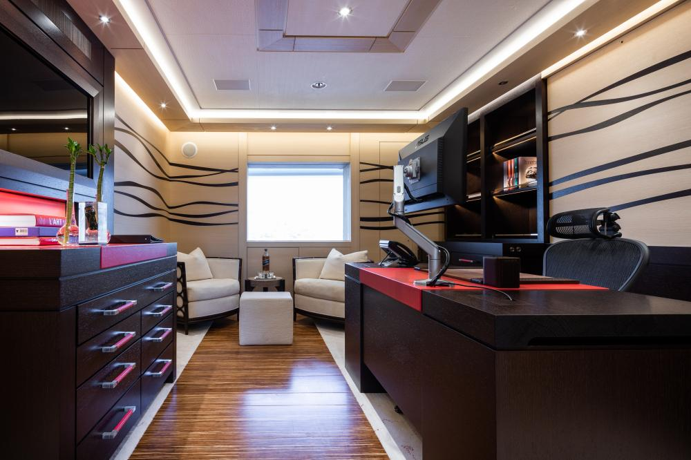 TRANQUILITY - Luxury Motor Yacht For Sale - 1 MASTER CABIN - Img 3 | C&N