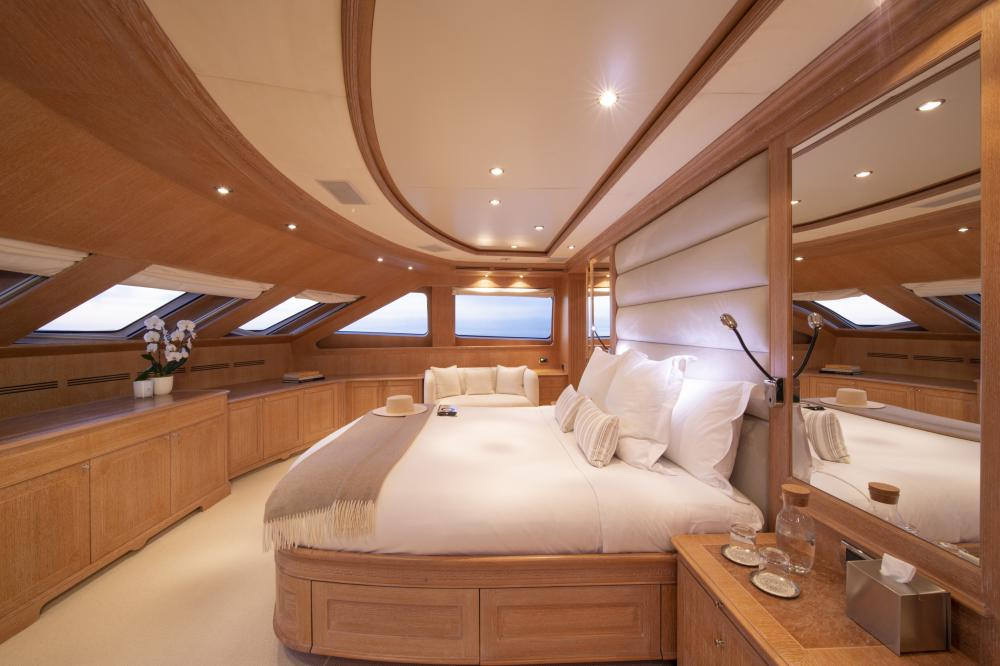 AFRICAN QUEEN - Luxury Motor Yacht For Charter - Owner's Suite - Img 1 | C&N