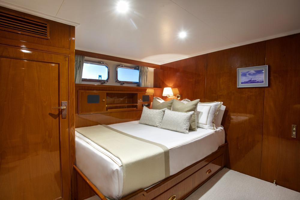 CETACEA - Luxury Motor Yacht For Charter - Double Cabin - Img 2   C&N