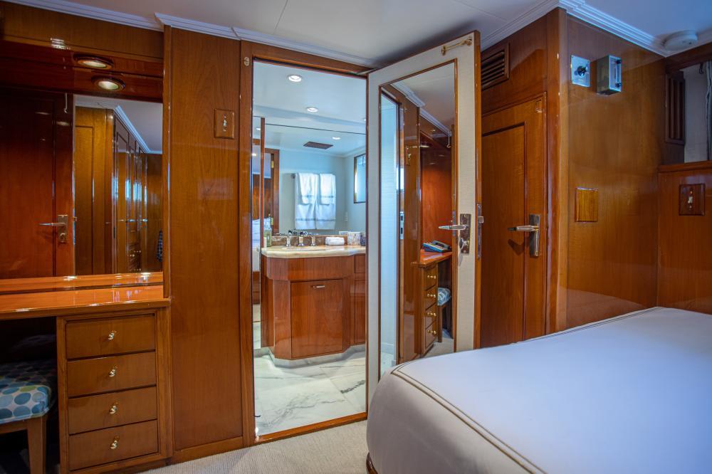 CETACEA - Luxury Motor Yacht For Charter - Double Cabin - Img 1   C&N