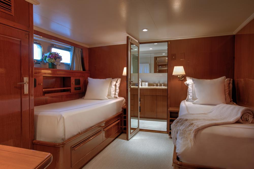 CETACEA - Luxury Motor Yacht For Charter - Twin Cabins - Img 2   C&N